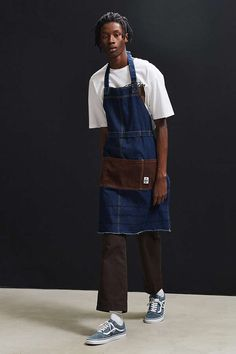 Chums Hurricane Work Apron | Urban Outfitters