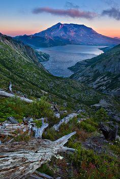 Spirit Lake, Mount St. Helens, Washington