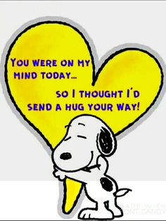 Cute hug and thinking you Peanuts Snoopy with heart. Heartfelt sentiment to family, friends, and others. Peanuts Quotes, Snoopy Quotes, Snoopy Love, Snoopy And Woodstock, Snoopy Hug, Snoopy Cartoon, Peanuts Cartoon, Hug Quotes, Funny Quotes