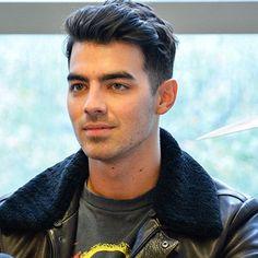 Joe Jonas Gets Starstruck, But Not Because Of A Human Celebrity - http://oceanup.com/2016/06/22/joe-jonas-gets-starstruck-but-not-because-of-a-human-celebrity/