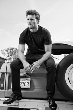I can't' explain why #ScottEastwood seems so perfect as the vision for Gavin in Seventh Inning Bliss. There's something boyish about him, something shy. #romancenovels #sportsromance