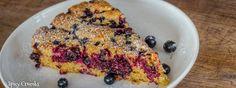 Mandlový koláč s černým rybízem - Spicy Crumbs