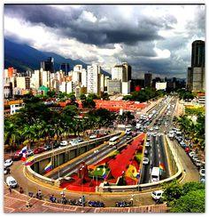 Centro Simón Bolívar. Túnel de las Torres del Silencio. Caracas Venezuela