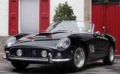 The Ferrari California was unveiled at the 2008 Paris Motor Show. The car went into production in 2008 and is still being produced by Ferrari. The car is available as a 2 door grand tourer coupe and as a hard top convertible. Ferrari F40, Ferrari Daytona, Ferrari 2017, Lamborghini Gallardo, Ferrari Auto, Ferrari Scuderia, Ferrari California, Classic Sports Cars, Classic Cars