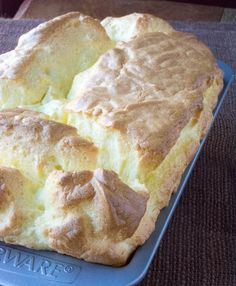 Low Carb Cloud Bread Loaf is one of the lowest carb breads you will ever make! You can even turn this loaf into rolls as well!These Low Carb Pantry Recipes use canned chicken, frozen foods and shelf stable ingredients! Low Carb Bread, Keto Bread, Low Carb Keto, No Carb Cloud Bread, Zucchini Bread Recipes, Loaf Recipes, Mini Hamburgers, Halloumi, Shawarma