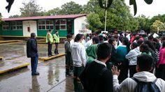 Docentes y personal administrativo del #P10SantaRosa30 del #Cobaem_Morelos coordinaron el simulacro. #juventudcultayproductiva #juventudcultayprecavida