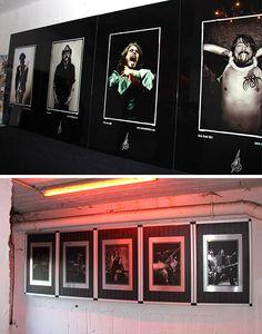 Ausstellung Andre Mittwollen. The Perfect Living Room in Hamburg. Digitaldruck auf gebürsteten Aludibond in Silber und Druck hinter Plexiglas   Direktdruck Hamburg
