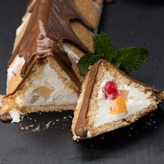 A Decadently Fruit-Filled Cremora Tart - Vw - Filipino desserts Tart Recipes, My Recipes, Sweet Recipes, Baking Recipes, Dessert Recipes, Recipies, Kos, South African Desserts, Xmas Desserts