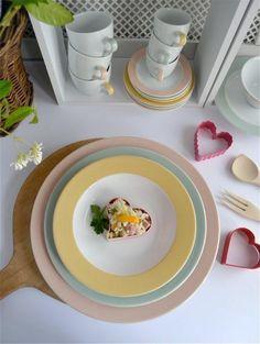 Servizio Millecolori Pastello per la tavola d'#estate   http://www.ancap.it/it/tavola/creativita-in-tavola/millecolori-pastello