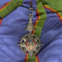 Most Noble Order of the Crown of Thailand, Knight Grand Cross (First Class) (ประถมาภรณ์มงกุฎไทย) magnificent set of insignia comprising breast star