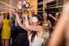 Casamento clássico - Hora de jogar o buquê - Foto: ProPhoto