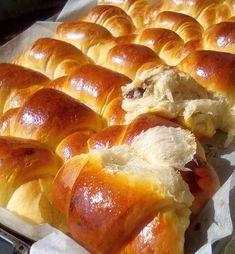 Κρουασανάκια με Μερέντα Croissants, Sweets Recipes, Greek Recipes, Pretzel Bites, Hot Dog Buns, Bakery, Deserts, Tasty, Favorite Recipes