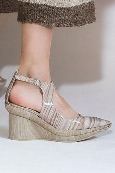 Лучшая обувь Недели моды в Париже: Louis Vuitton, Miu Miu, Rochas, Balmain, Ellery, Loewe | Vogue | Мода | Выбор VOGUE | VOGUE
