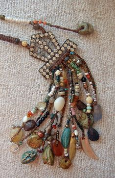 I absolutely love this piece! Assemblage Tribal Necklace Victorian Organic Rustic Gypsy Festival Bohemian Chic Talisman Amulet Free Falling by Cobwebpalace on Etsy Tribal Jewelry, Bohemian Jewelry, Jewelry Art, Jewelry Crafts, Beaded Jewelry, Vintage Jewelry, Jewelry Necklaces, Handmade Jewelry, Beaded Necklace