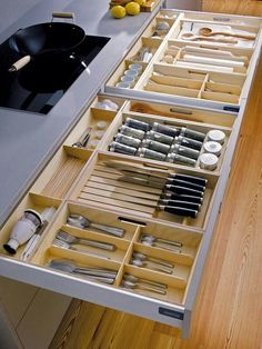Unique Kitchen Storage Ideas that you can apply in your kitchen - Design Galerien Diy Kitchen Storage, Kitchen Cabinet Organization, Kitchen Cabinet Design, Home Decor Kitchen, Interior Design Kitchen, Home Kitchens, Decorating Kitchen, Organization Ideas, Kitchen Ideas
