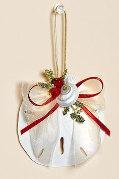 Mix and match with other beachy ornaments from the Christmas Cove Collection.