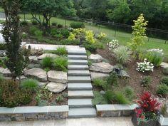 escalier moderne en béton et pierre
