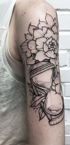 This tattoo is another proof that even without superfluous colors and details, you can have a beautiful tattoo.