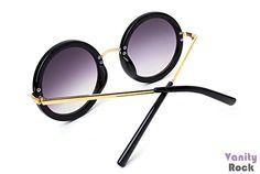 Óculos Redondo Preto com Detalhes Dourado  Lentes Degradê Roxa  Compre Online: www.vanityrock.com.br