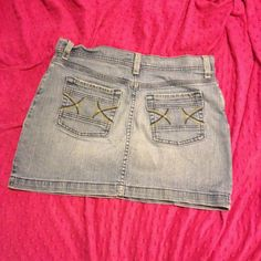 Old Navy Blue Jean Skirt size 10 Cut blue jean skirt. Size 10 Old Navy Skirts Mini