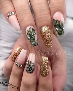 Green Leaves And Gold Glitter nails best manicure ideas for the fall. Get your fingers ready and get inspired by all these ridiculously cool fall nail designs, shades, and prints from the runway. Perfect Nails, Gorgeous Nails, Cute Nails, My Nails, Pretty Nails, Palm Nails, Nagellack Design, Vacation Nails, Gold Glitter Nails
