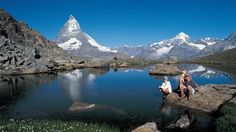 Zermatt (1616 m), carfree resort in the Matter valley/Valais<br>The Riffelsee (2757 m) in the Gornergrat region, backgdropped by the Matterhorn (4478 m)