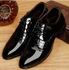 Mens New Hot Business Dress Formal Low Heels Lace Up England Carved Work  Shoes
