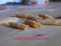 http://tzatzikiacolazione.blogspot.se/search/label/pasta a mano