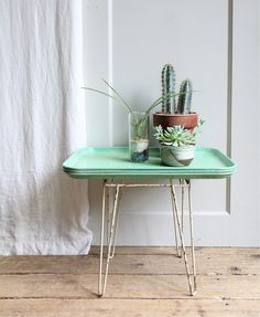 Cute table tray display table