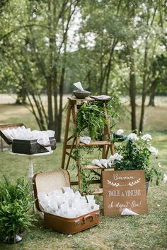 A bohemian wedding at the Domaine de La Butte Ronde near Paris - to discover . - - A bohemian wedding at the D French Wedding, Chic Wedding, Wedding Tips, Elegant Wedding, Perfect Wedding, Rustic Wedding, Wedding Ceremony, Wedding Day, Wedding Seating