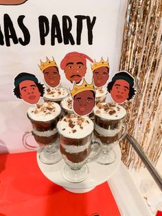 Throw a rap or hip hop themed party for any birthday or holiday and make Biggie, Tupac, and Jay Z proud! In this rapper themed Christmas party, you'll find lots of unqiue ideas and sources to throw your own hip hop and rap party. Tupac Birthday, Birthday Rap, 18th Birthday Party Themes, Adult Party Themes, Adult Birthday Party, Women Birthday, 2pac, Gangster Party, 2000s Party