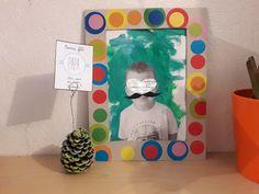 cadeau fête des pères, tableau moustache, pomme de pin porte-photo, activités enfants, cadeau à offrir, father day