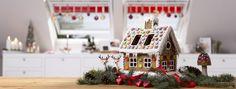Passen zu Weihnachten geschmückte Küche mit VELUX Fenstern.