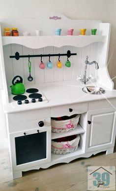 Wnętrza, DIY kuchenka dziecięca - W ramach prezentu gwiazdkowego można podarować dziecku np. kuchenkę zaprojektowaną i wykonaną samodzielnie. Radość i satysfakcja tym...