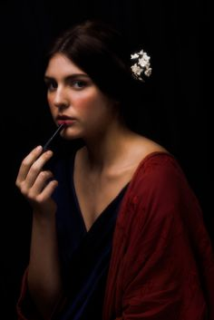 Almost Renaissance for Ignant.de on Behance Whimsical Photography, Feather Photography, Classic Photography, Beauty Photography, Fine Art Photography, Portrait Photography, Classic Portraits, Classic Paintings, Cool Paintings