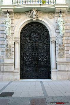 Detalles edificio Banco Mercantil #Santander  #Cantabria #Spain