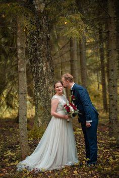 Hääkuvaus / Wedding photography.  Forest Wedding.  Linnan Juhlakuva Forest Wedding, Wedding Photography, Wedding Dresses, Fashion, Bride Dresses, Moda, Bridal Gowns, Fashion Styles, Weeding Dresses
