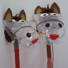 DIY Hobby horse or stick horse ~ What a fun craft! Love the use of a plastic bottle, divertida forma de botellas de refresco Kids Crafts, Bible Crafts, Arts And Crafts, Horse Crafts Kids, Plastic Bottle Crafts, Plastic Bottles, Soda Bottles, Drink Bottles, Stick Horses