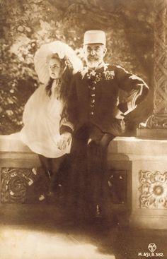 Regele Carol I cu Principesa Elisabeta, viitoarea regină a Greciei. Romanian Royal Family, Young Prince, Grand Duke, Rare Pictures, European Countries, Royal Weddings, Prince And Princess, Ferdinand, Eastern Europe