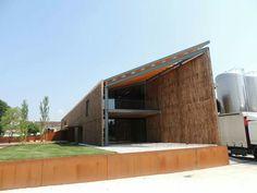 Studio d'architettura MA. DE.  Abbiamo realizzato a #Villorba di #Treviso la nuova #cantina Pizzolato. #architettura #design # strutture