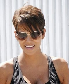 Short hair inspiration halle berrys current side swept cut short sassy hairstyles halle berry urmus Image collections