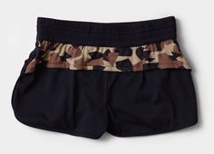MMA Girl's Camo Running Pants。バックに隠しポケットが1つ。