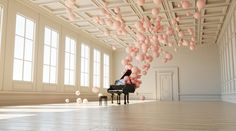 <p>Artist Federico Picci latest installation visualises music in a beautiful way. Pianist and digital illustrator, the Florence-based artist combined pink floating balloons with a grand, black piano,