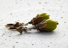 Ohrringe - Grüne Knospen von Perlenfontäne auf DaWanda.com