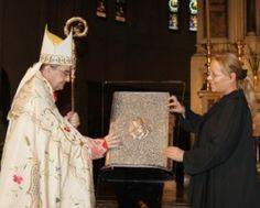 #art #book Donazione Deus Caritas est ad arcidiocesi di Bologna