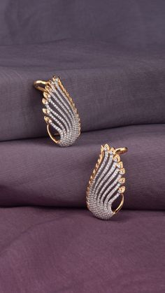 Ali baba Selani Gold and diamond splyer Dubai. Gold Jhumka Earrings, Jewelry Design Earrings, Gold Earrings Designs, Gold Ring Designs, Gold Jewellery Design, Ear Jewelry, Necklace Designs, Jewelery, Gold Earings Studs