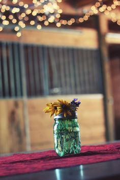 Party Drinks Cheap Mason Jars Ideas For 2019 Glass Jars, Clear Glass, Cheap Mason Jars, Flowers In Jars, Deco Floral, Black Flowers, Deco Table, Country Primitive, Primitive Homes