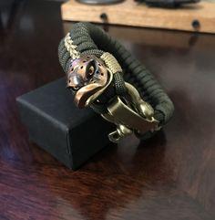 Survival Bracelets, Paracord Bracelets, Diy And Crafts, Macrame Bracelets