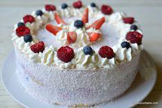 cel mai bun tort cu mascarpone si zmeura capsuni afine reteta Cheesecake, Desserts, Mai, Food, Holidays, Sweets, Mascarpone, Food And Drinks, Tailgate Desserts