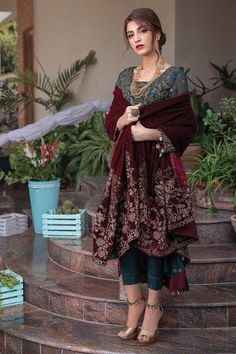Pakistani Fashion Party Wear, Pakistani Formal Dresses, Indian Gowns Dresses, Pakistani Dress Design, Indian Fashion, Shadi Dresses, Eid Dresses, Designer Party Wear Dresses, Kurti Designs Party Wear